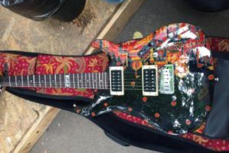 Gitar Batik Indonesia Perkaya Koleksi Museum Rusia
