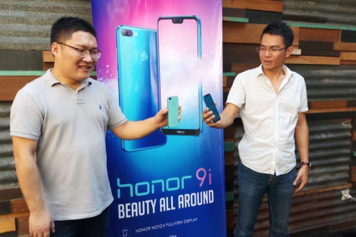 Produsen Honor Optimistis Tiga Besar Pasar Telepon Pintar