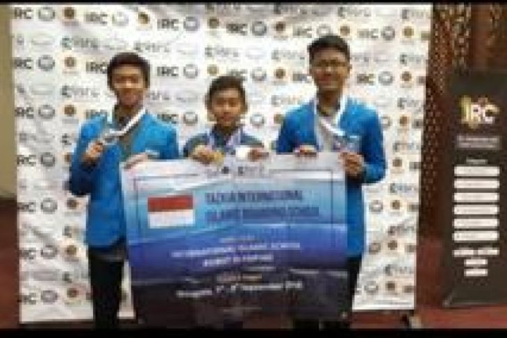 Students of Tazkia IIBS Malang Win Six Medals at Malaysia Event