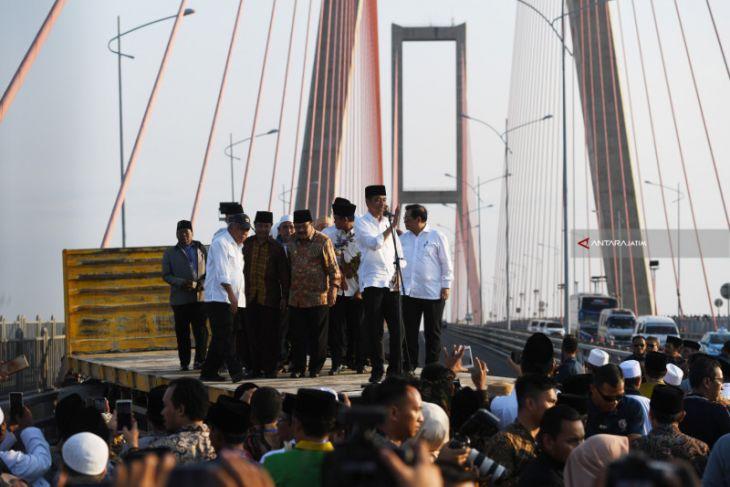 Jembatan Suramadu Gratis, Ya Tetap Dipolitisasi