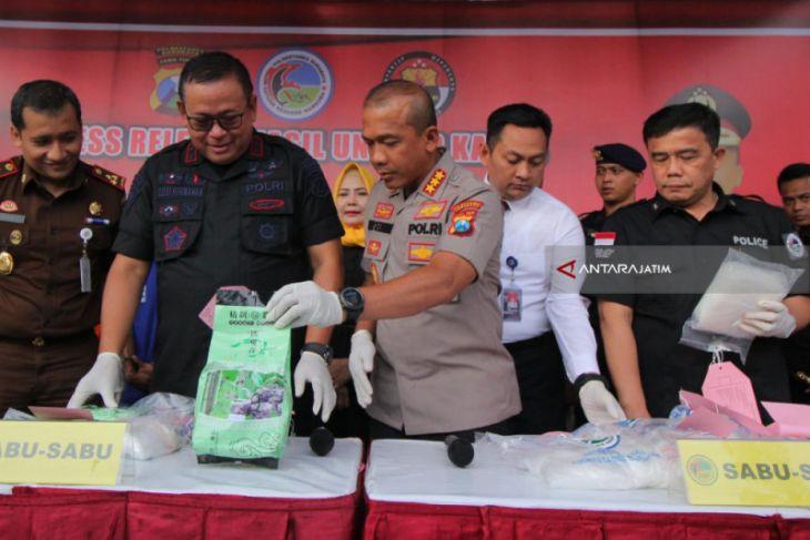 Polisi Surabaya Ungkap Peredaran 4,7 Kg Sabu-sabu