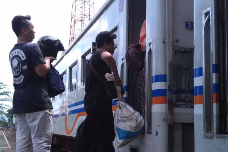 Tiket Kereta Api Tulungagung-Jakarta Ludes Terjual