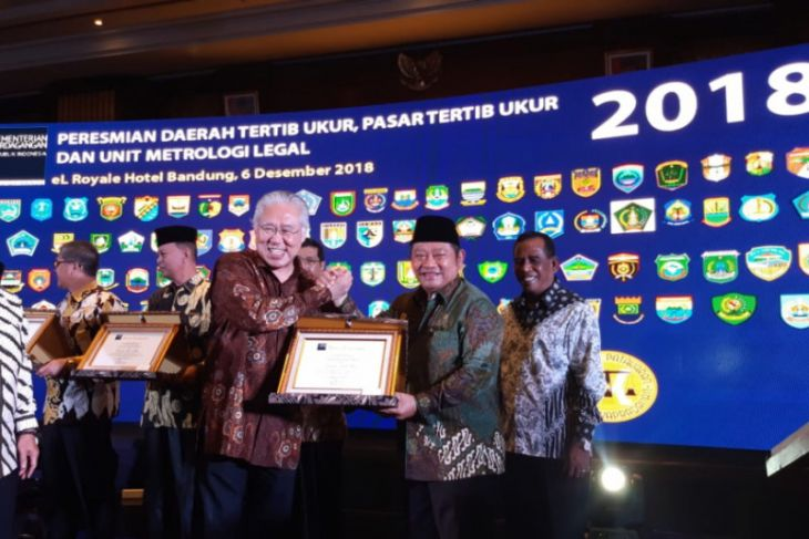 Pemkab Sidoarjo Terima Penghargaan Tertib Ukur dari Mendag