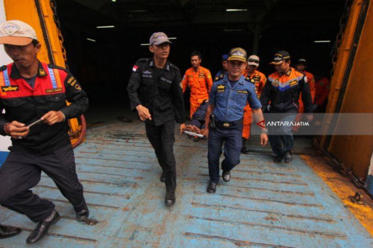Tiga Orang Hilang dalam Kebakaran Kapal Penumpang (Video)