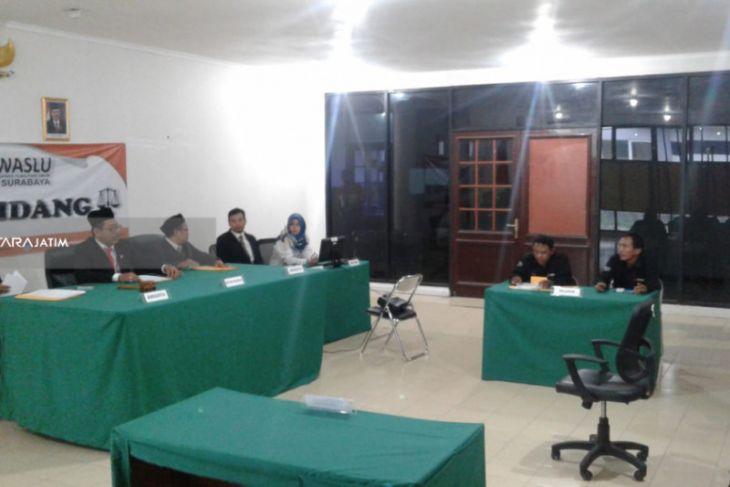 Bawaslu Surabaya Bacakan Pelanggaran Kampanye Dua Caleg PDIP Selasa (11/12)