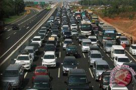 Hindari macet tol Jakarta-Cikampek bisa lewat jalan Kalimalang