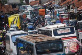 Polres Cirebon mendirikan 16 pos pengamanan mudik