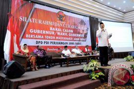 Iwa Terkejut Menjadi Tiga Kandidat Cagub dari PDIP