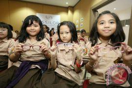 Pemkot Bandung-Lions Club Bagikan 1.500 Kacamata Gratis