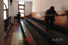 Polrestabes Bandung Lakukan Penyisiran Gereja Katedral