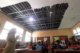 Bangunan Sekolah Rusak