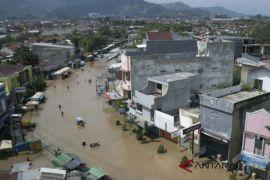 Distribusi logistik terhambat karena banjir Kabupaten Bandung