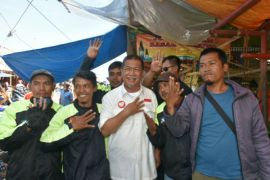 Kampanye di Bogor Deddy Mizwar bersilaturahmi dengan komunitas ojek