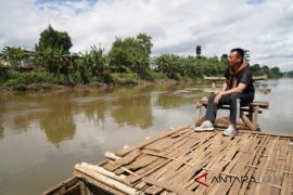 Kang Hasan tawarkan konsep pemulihan-penataan sungai citarum