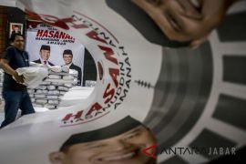 Tb Hasanuddin-Anton Charliyan unjuk kabisa pencak silat