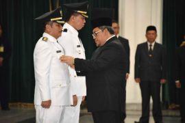 Ating Rusnatim dilantik jadi Wabup sekaligus Pjs Bupati Subang