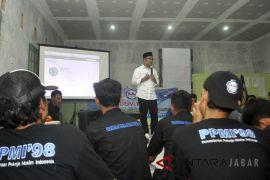 Kampanye Ridwan Kamil dengan Buruh