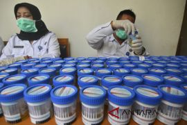 BNN Tasikmalaya tes urine pilot dan pramugari