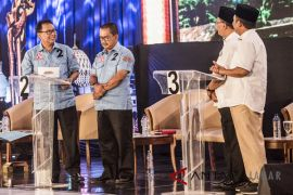 Yossi Irianto-Aries Supriatna bersyukur dengan hasil survei Pilwakot Bandung