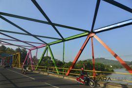 Warga berharap pemerintah segera perbaiki jembatan