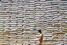 Bulog Cirebon kesulitan distribusi hasil penyerapan
