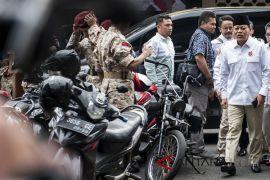 TPS tempat Cagub Sudrajat mencoblos dihias