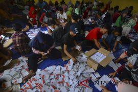 Pelipatan surat suara untuk Pilgub Jabar