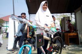 Muhammad Hisbullah  tolak sepeda dari Presiden