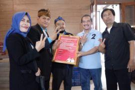 Buruh Kota Bandung deklarasi dukung untuk Yossi-Aries