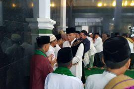 Cagub Tb Hasanuddin berlebaran di kampung halaman