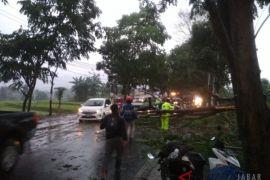 Jalan Raya Sukabumi-Cianjur sudah dapat dilalui