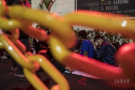 Atlet Paralimpik bertahan di PN Bandung