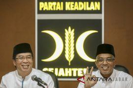 Petinggi PKS ragukan militansi kader terkait cawapres