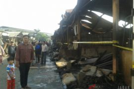 Sekitar 150 kios Pasar Gedebage Bandung kebakaran