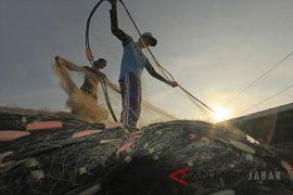 Nelayan Rancabuaya Garut masih enggan melaut