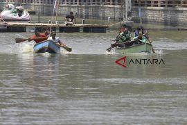 Lomba balap perahu tradisional