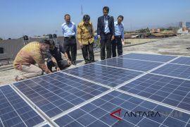 Peresmian Panel surya untuk sekolah