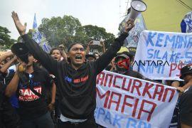 Aksi suporter Persib Bandung
