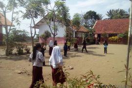 RIbuan guru honorer di Cianjur mogok mengajar