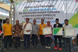 BPJS Ketenagakerjaan sosialisasi program di Pasar Cipanas