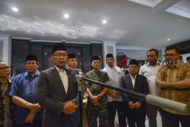 Ridwan Kamil sesalkan insiden pembakaran bendera HTI