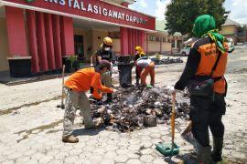 Relawan Gabungan Jabar bersihkan RS Undata Palu