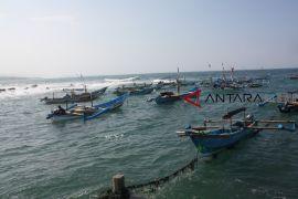 250 nelayan di Cianjur dapat bantuan perahu dan asuransi