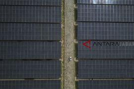 Pembangkit listrik tenaga surya terapung