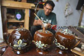 Produksi gelas dari limbah kelapa