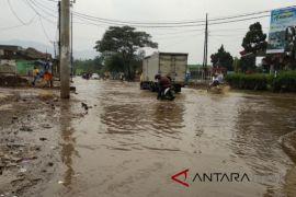 12 daerah di Kabupaten Bandung dikepung genangan banjir