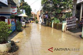 Banjir landa Kabupaten Bandung, warga mulai mengungsi
