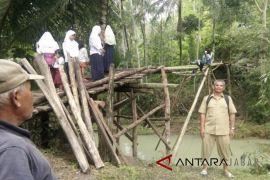 Sedikitnya 200 siswa Desa Girimukti terpaksa libur sekolah akibat ini