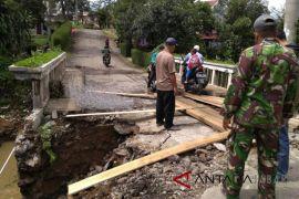 Hanya 15 jembatan mampu dibangun Pemkab Cianjur