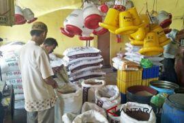 Pedagang pakan ternak di Cianjur mengeluh harga tak menentu